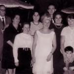 Con familiares y extranjeras