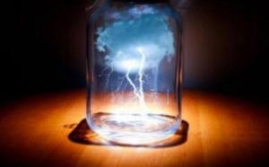 Contornos (022) Tormenta en un vaso