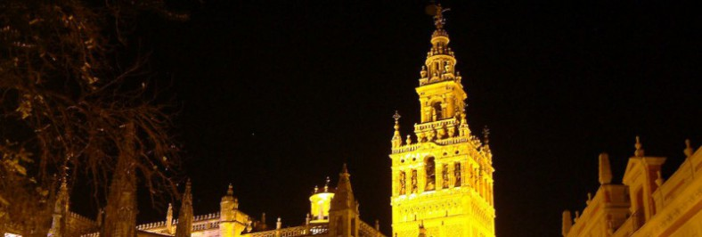 Noticias [002] Sevilla. Catedral y Giralda de noche