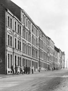 Contornos (143) Renger-Patzsch. Calle de Essen, 1929